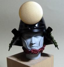 日本の武の美、正統派戦国ブランドのパイオニア【もののふ】-桃形兜日輪前立付
